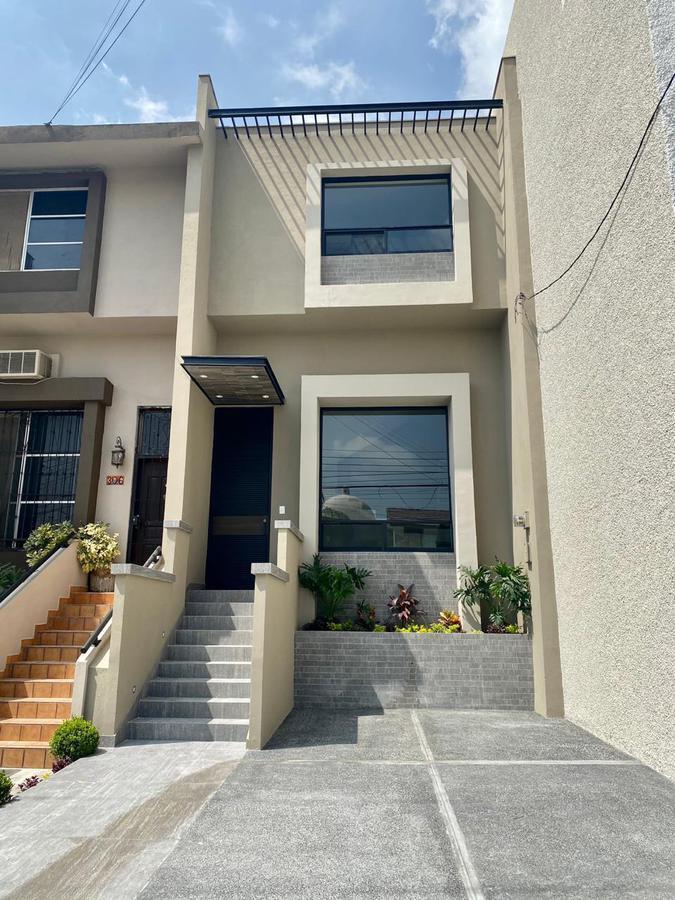 Foto Casa en Venta en  Villas del Valle,  San Pedro Garza Garcia  VENTA TOWNHOUSE SAN PEDRO
