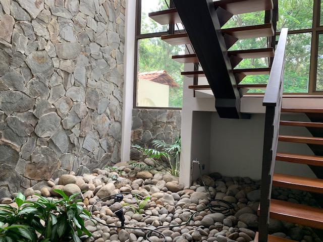 Foto Casa en condominio en Venta   Renta en  Ribera,  Belen  Casa con increíble diseño en Cariari Amplia/ Rodeada de Naturaleza