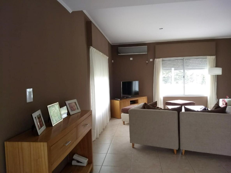 Foto Casa en Venta en  Bahia Blanca ,  Interior Buenos Aires   Ciudad de Cali al 3000