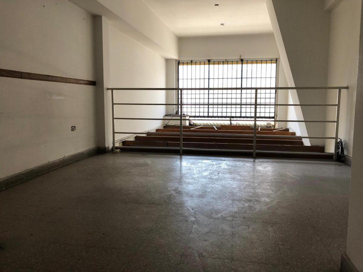 Foto Local en Alquiler en  Villa del Parque ,  Capital Federal  Av. Nazca al 2300