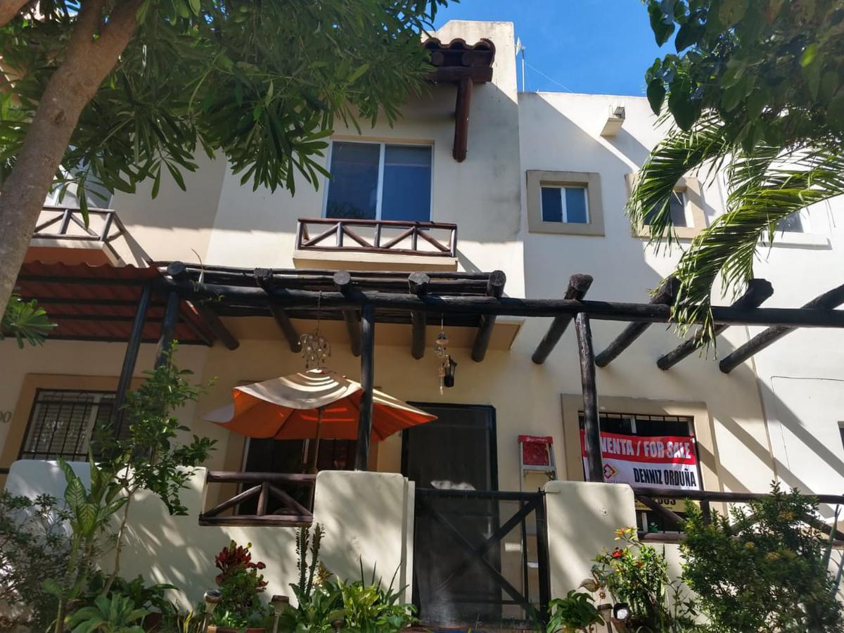 Foto Casa en Venta en  Playa del Carmen ,  Quintana Roo  LINDO TOWN HOUSE REAL IBIZA