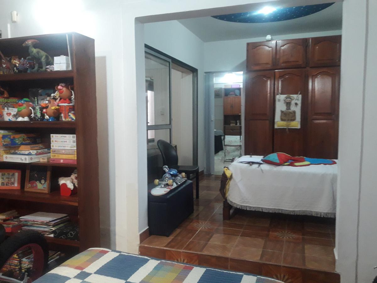 Foto Casa en Venta en  Luis Guillon,  Esteban Echeverria  HIPOLITO IRIGOYEN al 1500