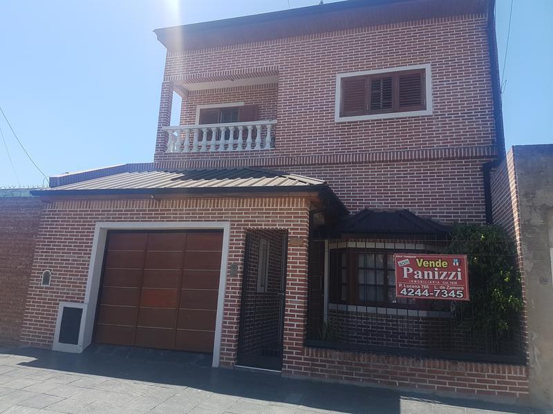Foto Casa en Venta |  en  Lomas de Zamora Oeste,  Lomas De Zamora  Gallardon 161