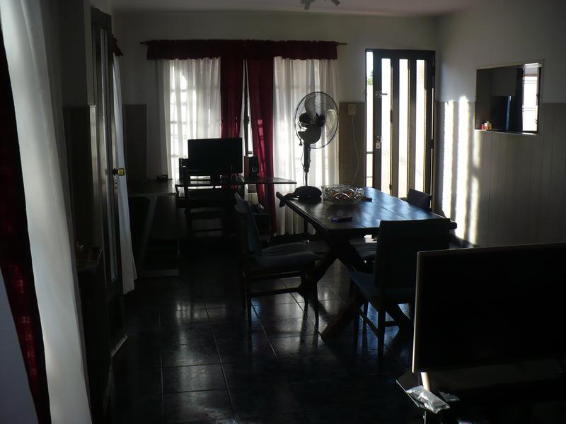 Foto Casa en Venta en  Lomas de Zamora Oeste,  Lomas De Zamora  CASEROS al 2200