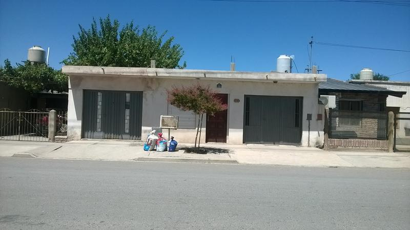 Foto Casa en Venta |  en  Villa Regina,  General Roca  CASA BARRIO PRETTO-(V.R.)