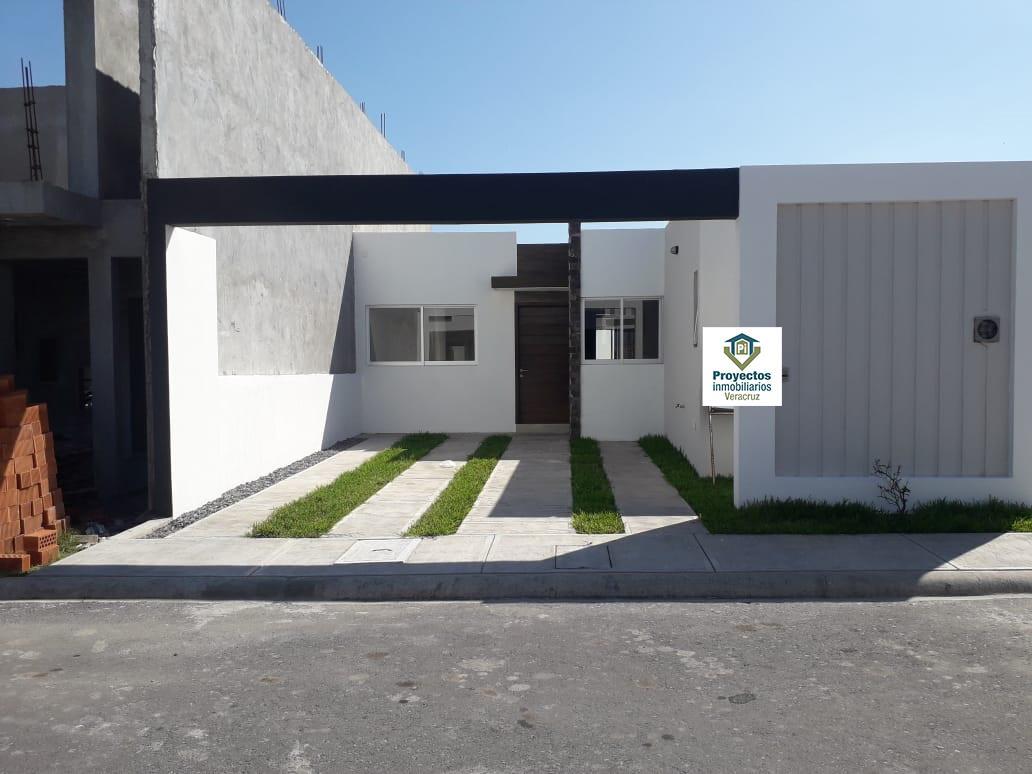 Foto Casa en Venta en  Fraccionamiento Lomas de la Rioja,  Alvarado  CASA EN VENTA FRACCIONAMIENTO LOMAS DE LA RIOJA BOCA DEL RÍO VERACRUZ ALVARADO