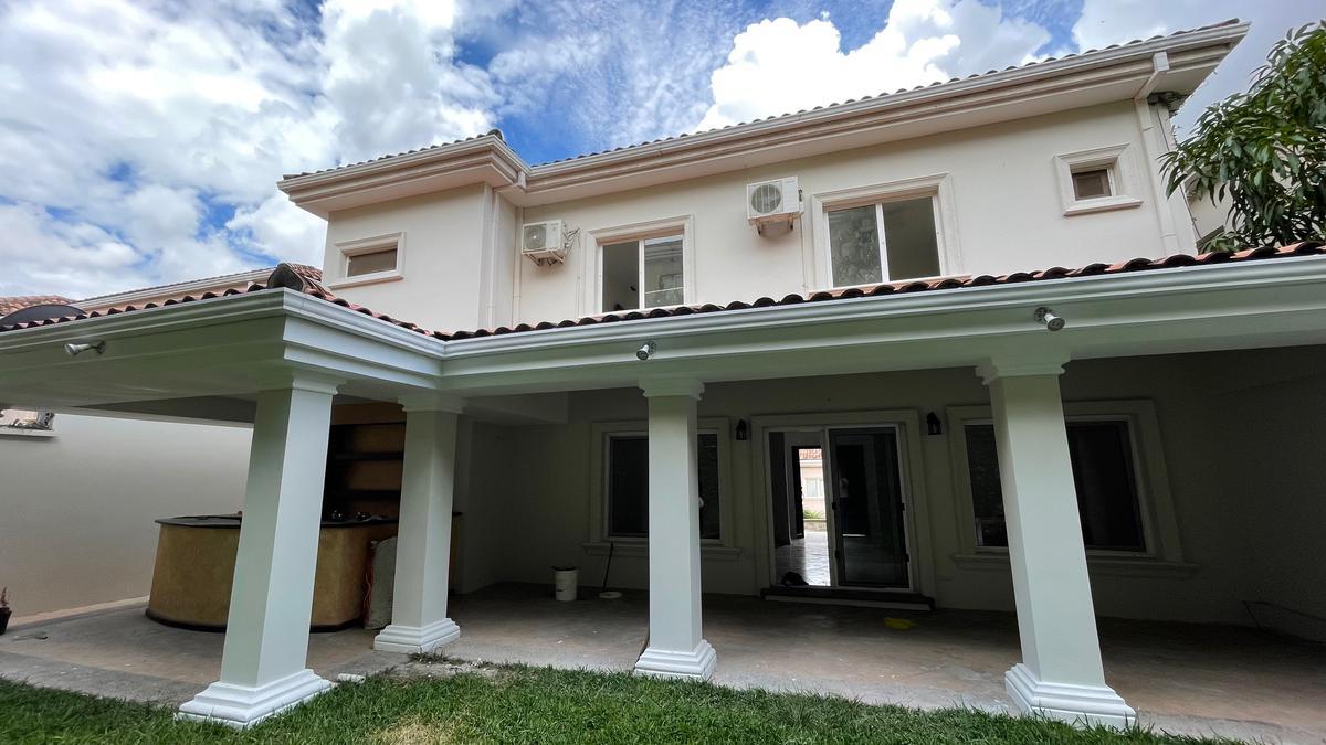 Foto Casa en condominio en Renta en  Lomas del Guijarro,  Tegucigalpa  Amplia Casa Modelo Verbena en Circuito Cerrado, Lomas del Guijarro Sur, Tegucigalpa