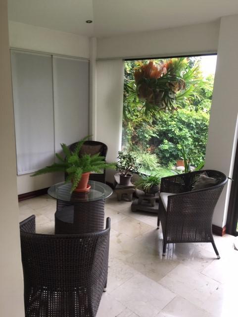 Foto Casa en condominio en Venta en  San Rafael,  Escazu  Casa en Jaboncillo / Amplio Jardín