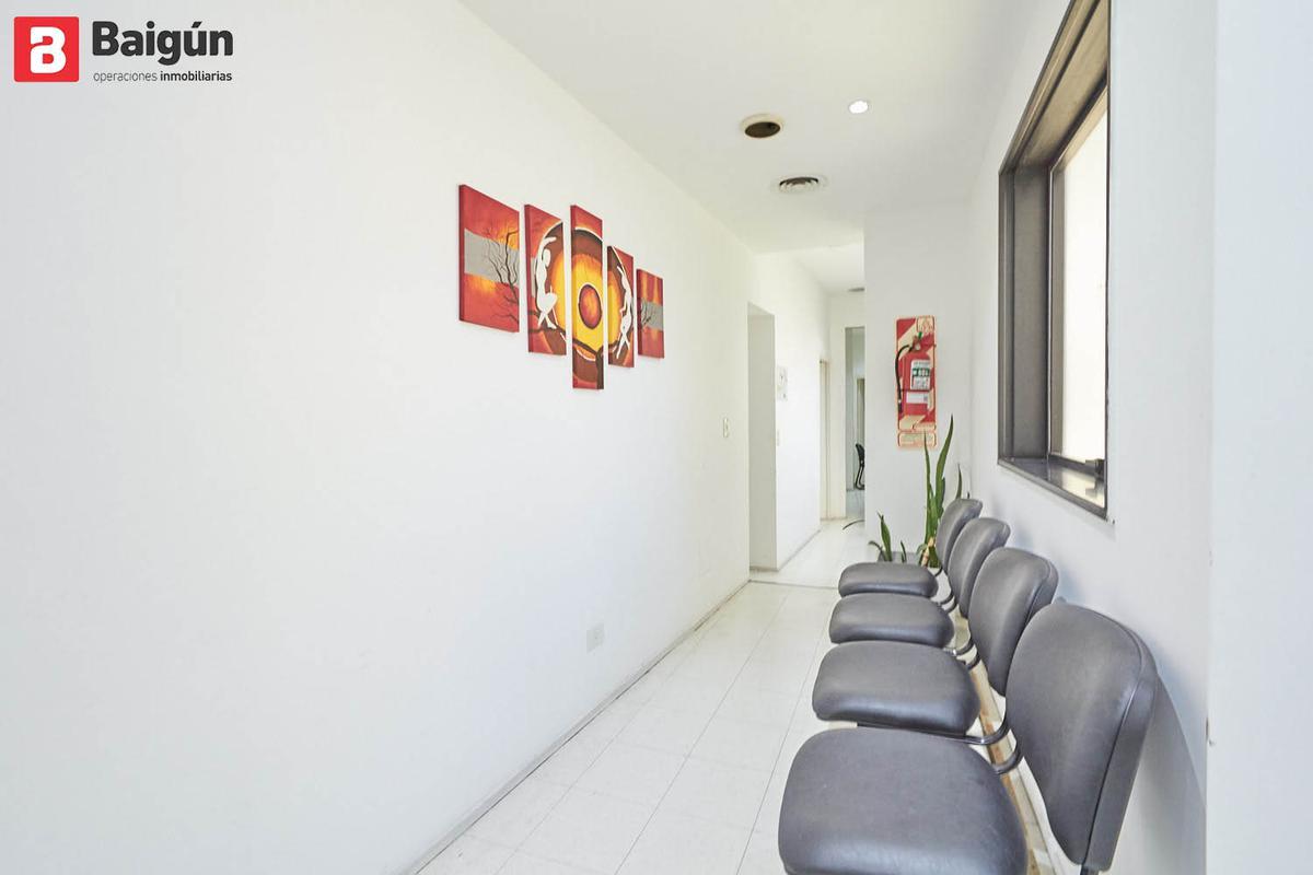 Foto Oficina en Venta en  Recoleta ,  Capital Federal  Marcelo T. de Alvear al 2200