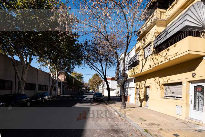 Foto PH en Venta en  Barracas ,  Capital Federal  Alvarado al 2800