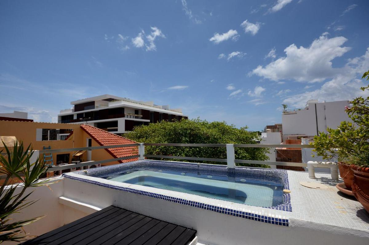 Foto Edificio Comercial en Venta en  Playa del Carmen ,  Quintana Roo  Edificio en venta en la 5ta Avenida