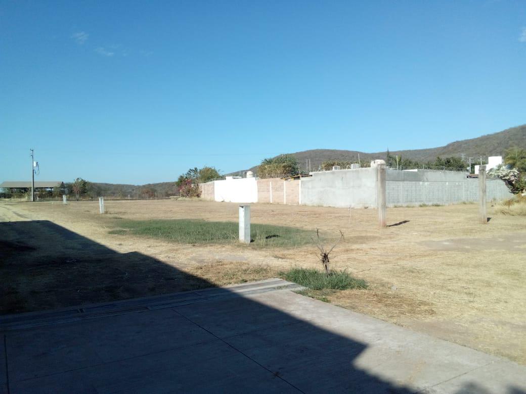 Foto Terreno en Venta en  Las Ilusiones,  Culiacán  Terrenos Campestres Frente Splash Club $1,200  x M2 ESCRITURAS REGALADAS