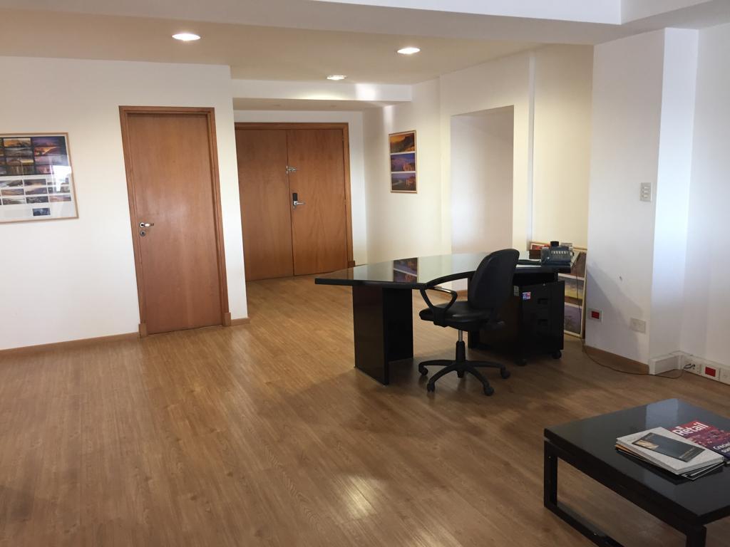 Foto Oficina en Venta en  Beccar,  San Isidro  Oficinas de 200mts c/ 10 cocheras privadas . Seguridad 24hs. San Isidro