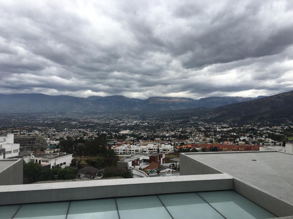 Foto Departamento en Venta en  Cumbayá,  Quito  CUMBAYA, VENTA DEPTOS EXCELENTES ACABADOS