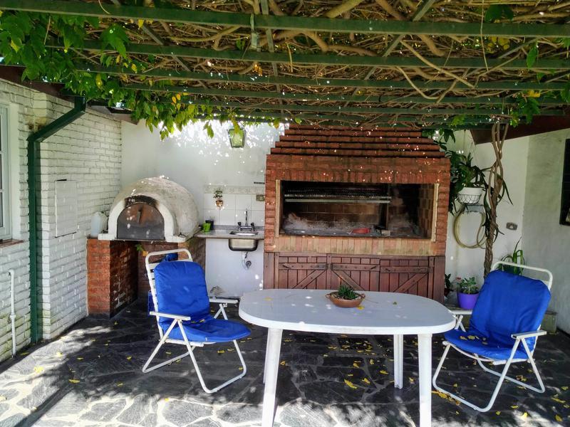 Foto Casa en Venta en  Adrogue,  Almirante Brown  Quintana  al 800