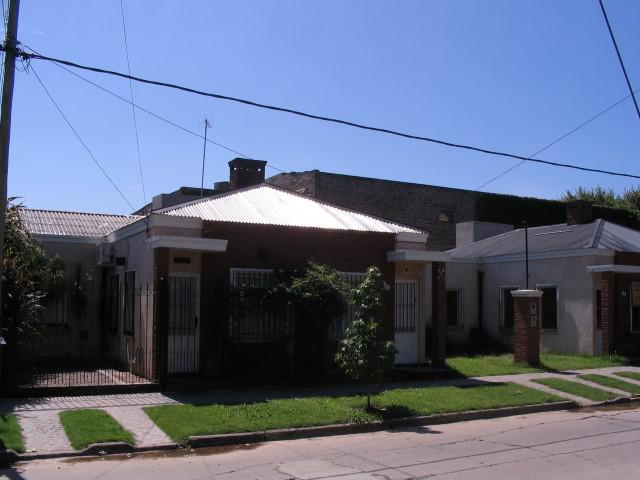 Foto Casa en Alquiler en  Temperley,  Lomas De Zamora  14 de julio 436