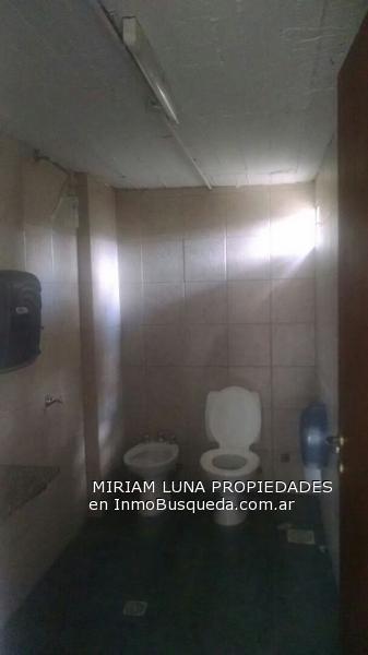 Foto Local en Alquiler en  Lisandro Olmos Etcheverry,  La Plata  155 entre 33 y 34