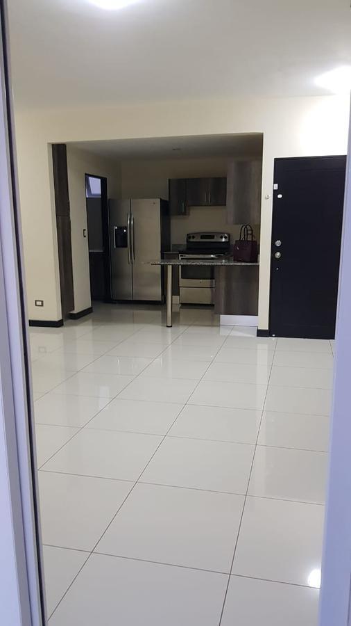 Foto Departamento en Renta en  Santa Ana ,  San José  Apartamento en Lindora / Línea blanca
