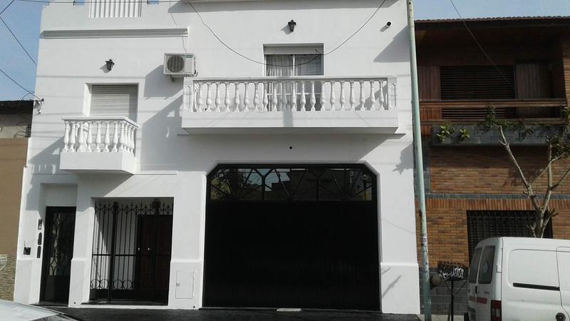 Foto Casa en Venta en  Valentin Alsina,  Lanus  Alfredo Palacios al 3400
