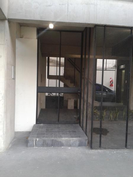 Foto Departamento en Venta en  Lomas de Zamora Oeste,  Lomas De Zamora  Pereyra Lucena 702  3°A
