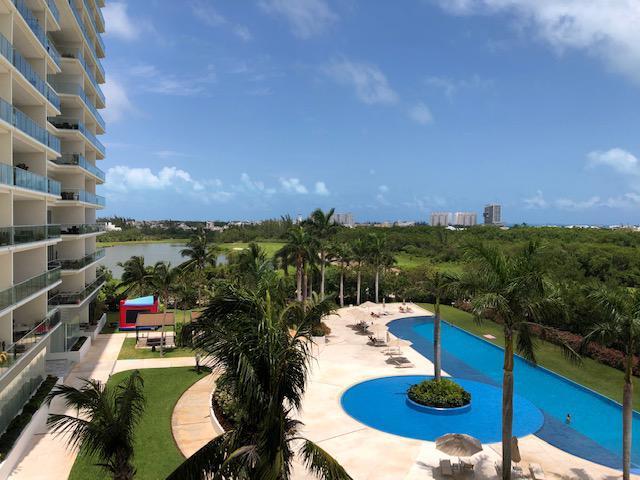 Foto Departamento en Renta en  Puerto Cancún,  Cancún  Departamento en RENTA con Espectacular Vista Puerto Cancun Condominio Sky Residences