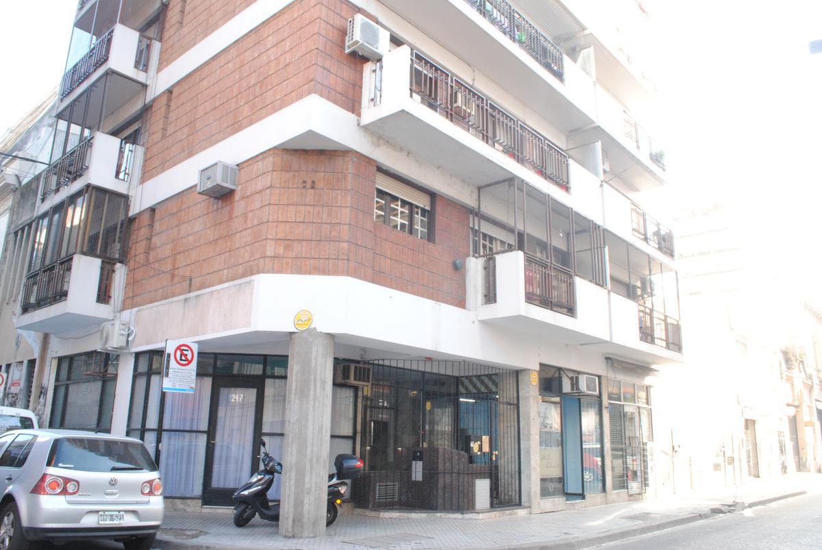 Foto Departamento en Alquiler en  Centro,  Rosario      Ricardone al 1200