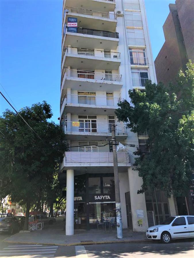 Foto Departamento en Venta en  Echesortu,  Rosario  Cafferata 1096 05-03