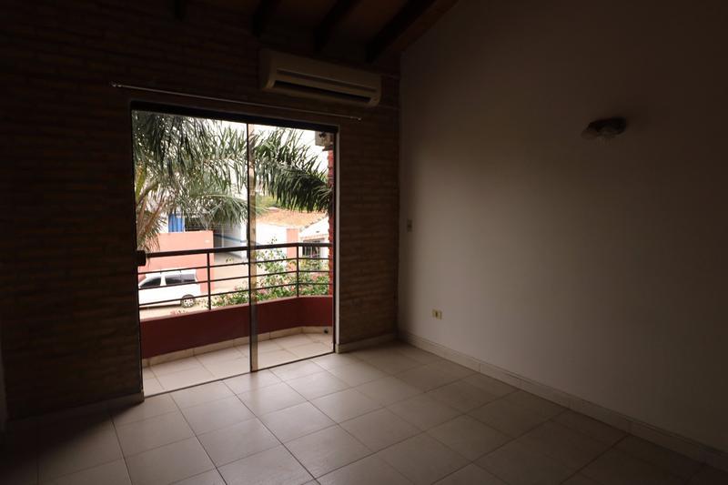 Foto Casa en Alquiler en  Ycua Sati,  Santisima Trinidad  Zona colegio Goethe