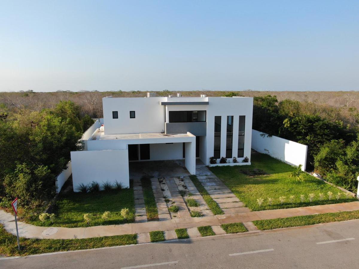 Foto Casa en Venta en  Hacienda Dzidzilche,  Mérida  Casa en Privada Phulá en Dzidzilché.
