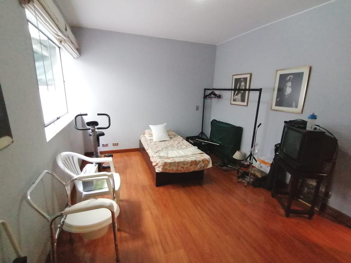Foto Departamento en Venta en  CHACARILLA MONTE UMBROSO,  Santiago de Surco  Alameda Monte Unbroso cuadra 8