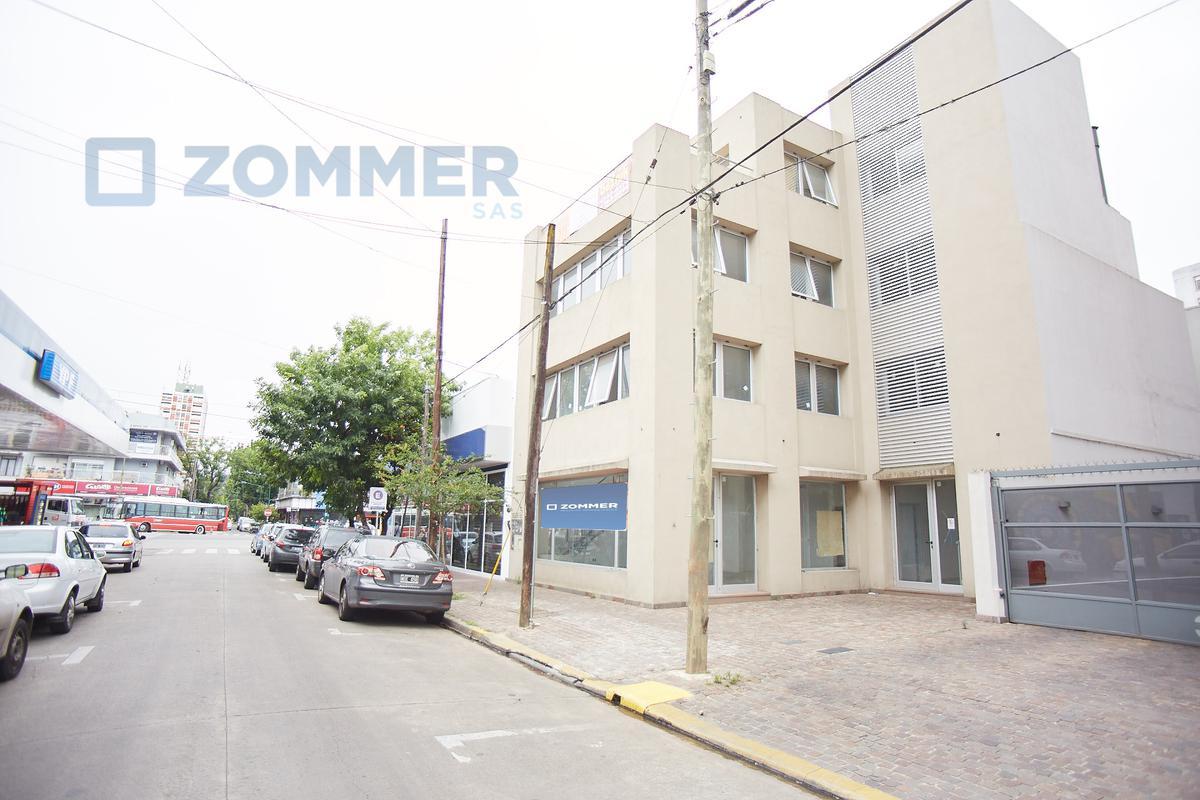 Foto Edificio Comercial en Venta en  Martinez,  San Isidro  Vicente Fidel López 0, CENTRO DE MARTÍNEZ - oficinas y local