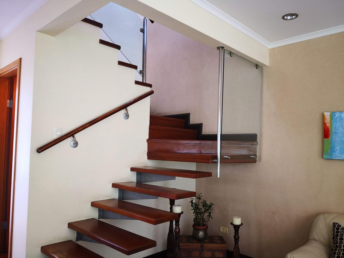 Foto Casa en condominio en Venta | Renta en  San Rafael,  Escazu  Escazú/ Electrodomésticos / 2 habitaciones/ Piscina