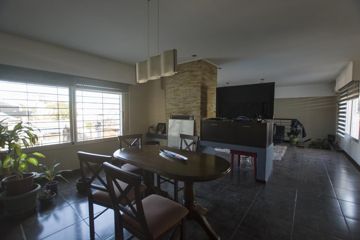 Foto Casa en Venta en  Parque Batlle ,  Montevideo  Alejo Rossell y Rius y 4 de Julio