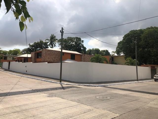 Foto Casa en Venta en  Tampico ,  Tamaulipas  CASA EN ZONA DORADA DE TAMPICO CON 1000M2 DE TERRENO!!