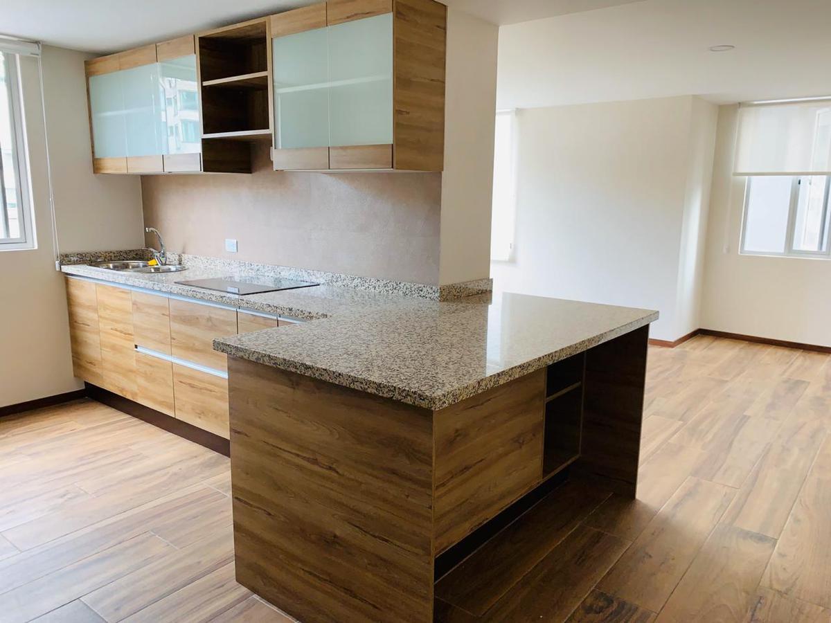 Foto Departamento en Alquiler en  Quito ,  Pichincha  Suite en Renta Sector el Batán