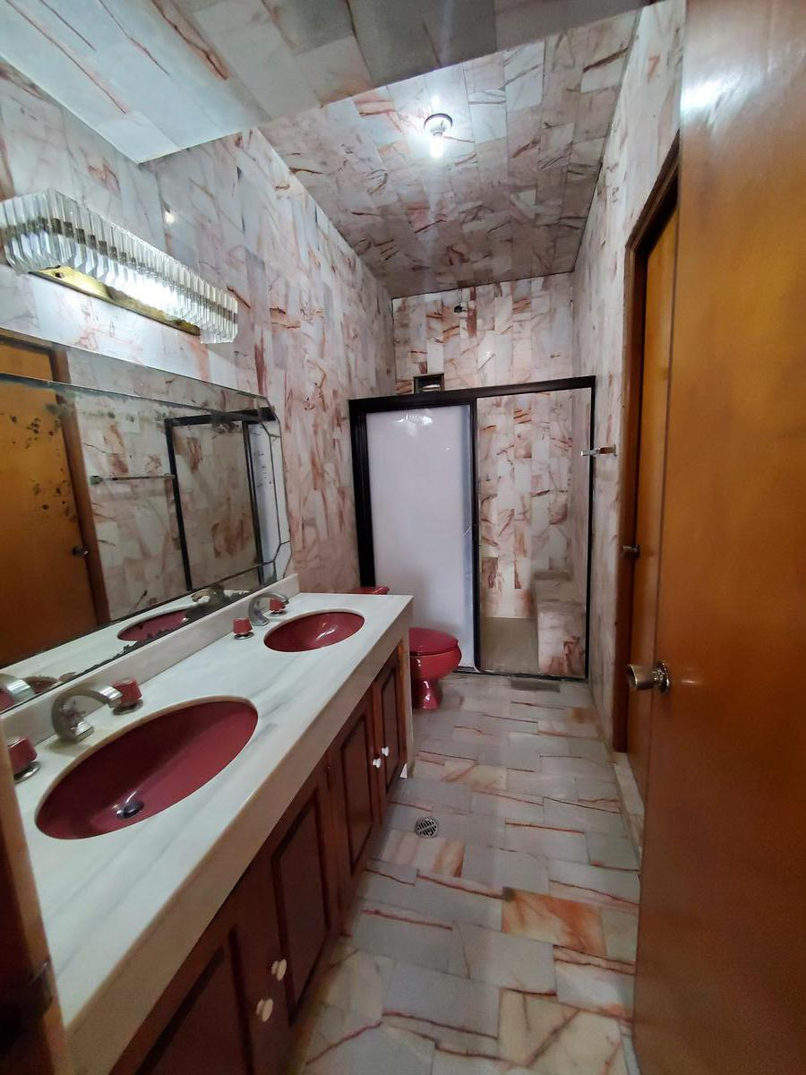Foto Casa en Venta en  Cumbres 4to Sector,  Monterrey  Venta casa en Cumbres 4to. Sector (Arriba de Leones)