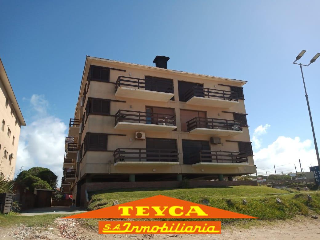 Foto Departamento en Alquiler temporario en  Centro Playa,  Pinamar  Tirremes n°26 esq. Av. del Mar