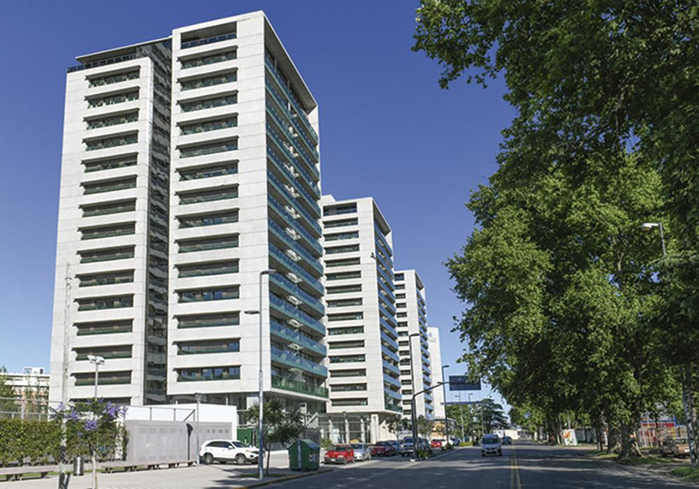 Avda. Caseros  100 Bis.Condominios Del Alto.