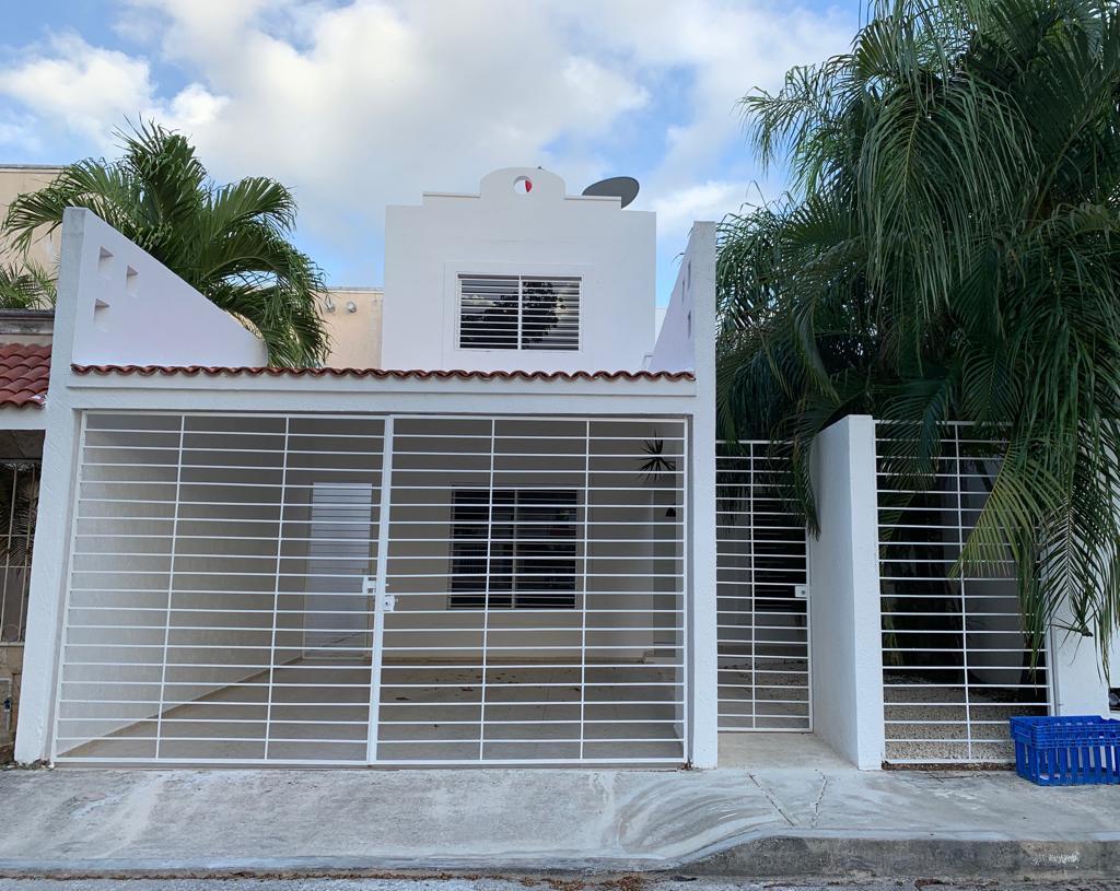 Foto Casa en Renta en  Solidaridad ,  Quintana Roo  Casa 3 Recamaras Residencial Santa fe  en Renta