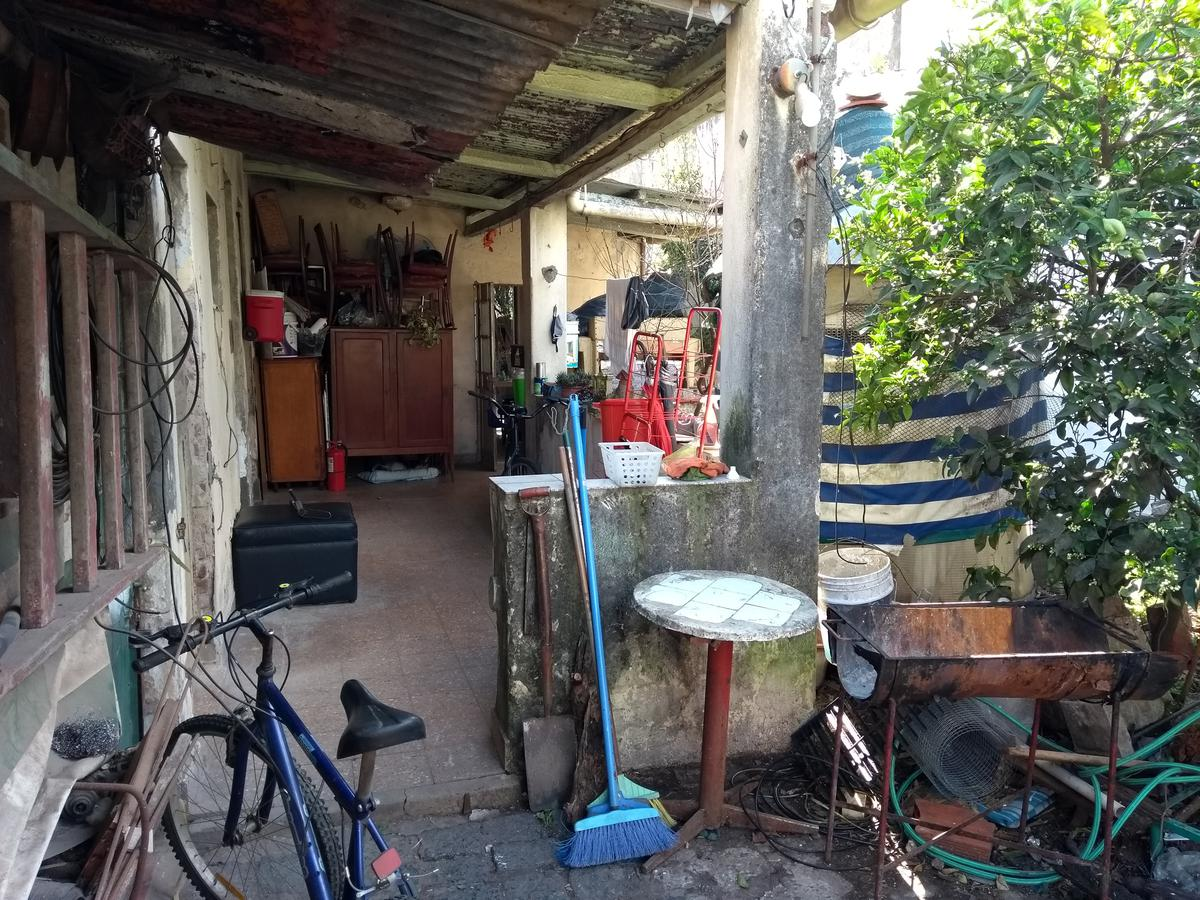 Foto Casa en Venta en  Villa Raffo,  Tres De Febrero  Colón al 1300