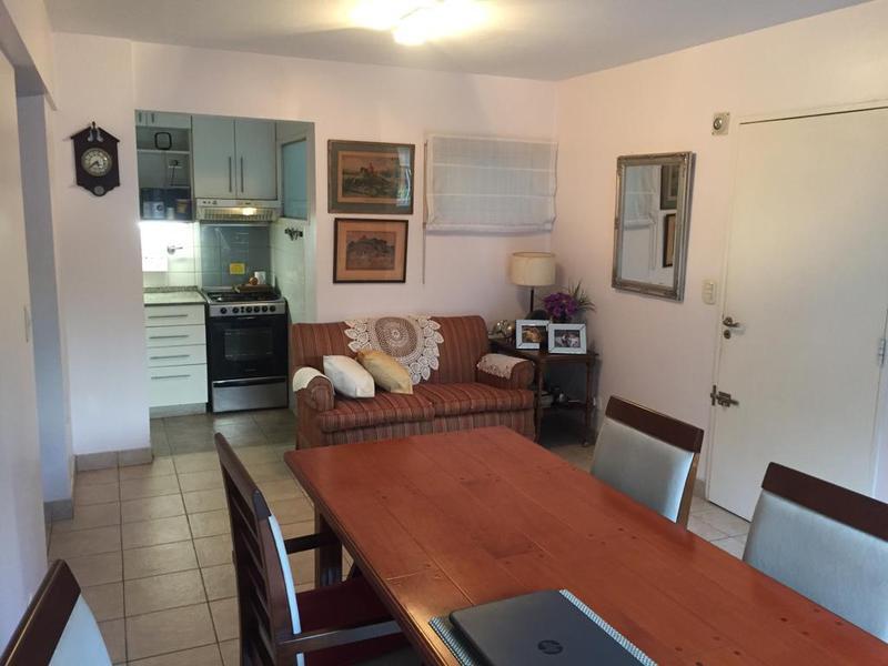 Foto Departamento en Venta en  Banfield Oeste,  Banfield  ACEVEDO 1551  PB H  e. French y R. Peña
