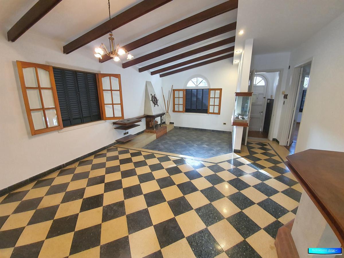 Foto Casa en Venta en  Zona Sur,  Rosario  Av. Del Rosario 61