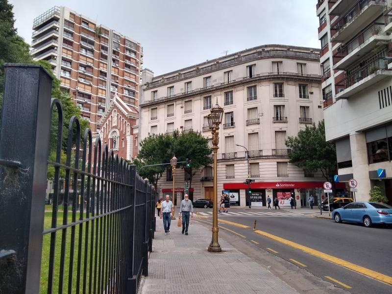 Foto Departamento en Venta en  Recoleta ,  Capital Federal  Montevideo  al 1300