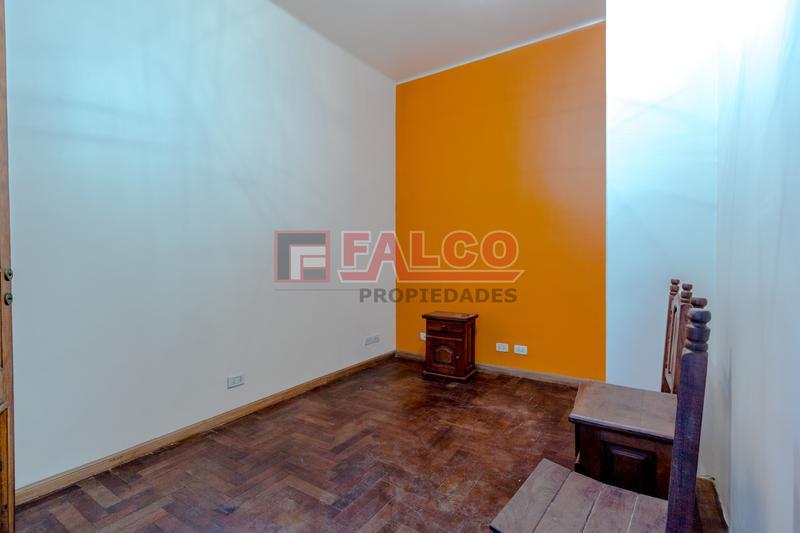 Foto PH en Alquiler en  Caballito ,  Capital Federal  Riglos al 600