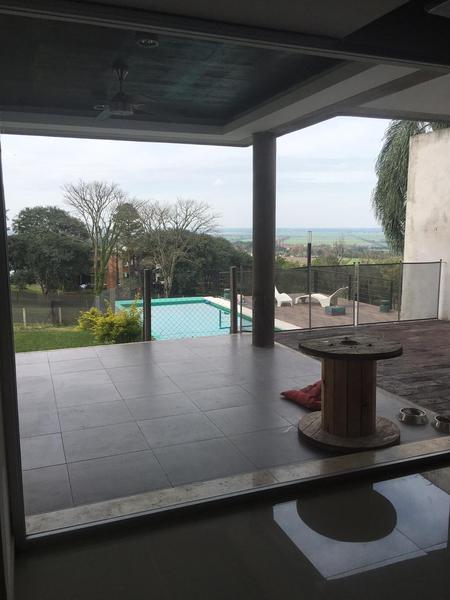Foto Casa en Venta en  Yerba Buena,  Yerba Buena  COUNTRY LA ARBOLEDA