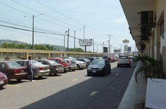 Foto Local en Alquiler en  Norte de Guayaquil,  Guayaquil  Juan Tanca Marengo Se alquila local comercial de 240m2