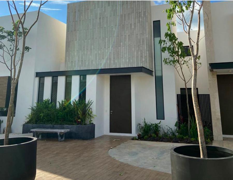 Foto Casa en Venta en  Mérida ,  Yucatán  Venta ò Rento casa de lujo en Temozòn Norte
