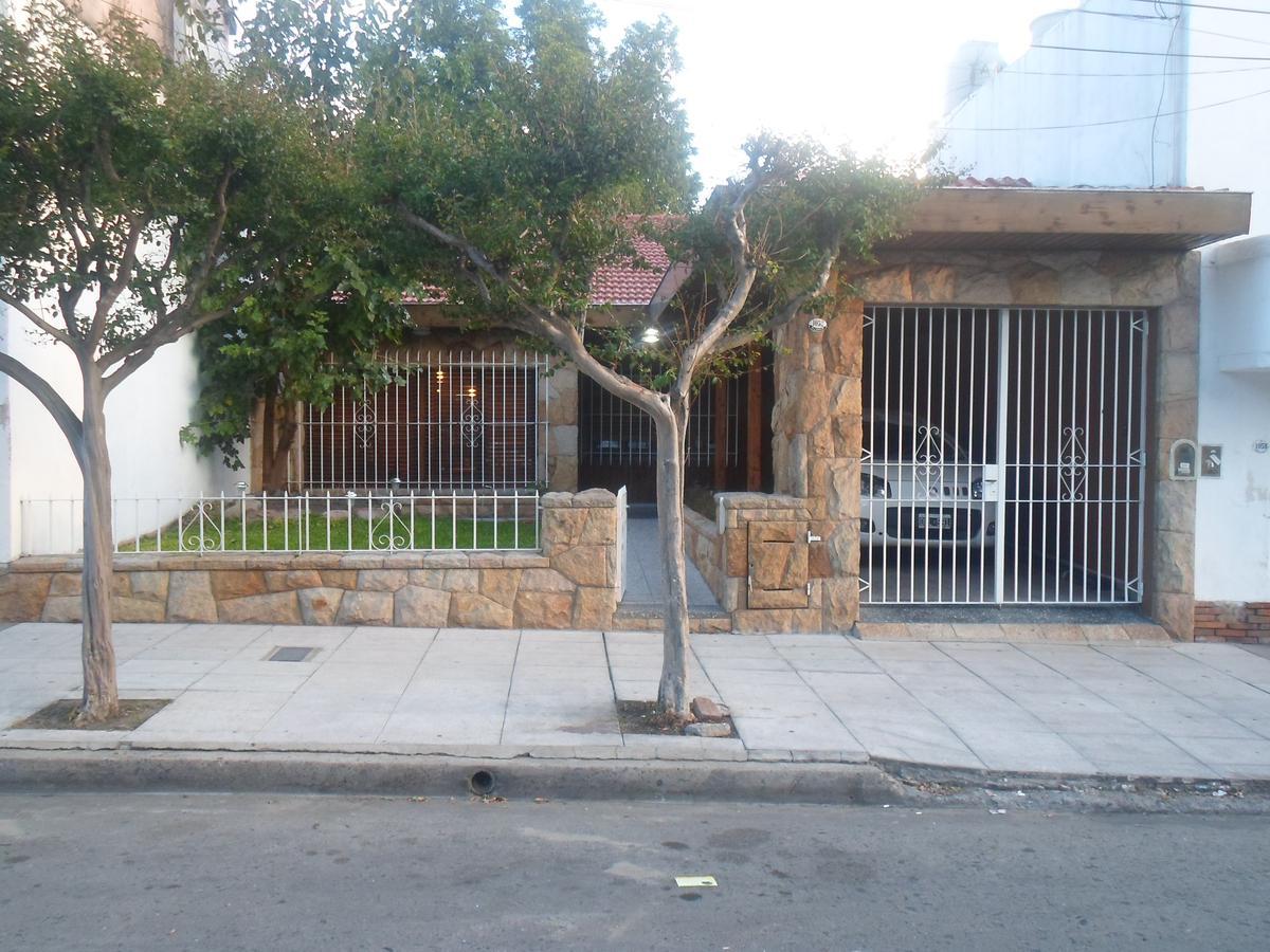 Foto Casa en Venta en Garcia Silva al 1000, G.B.A. Zona Oeste | Moron | Moron