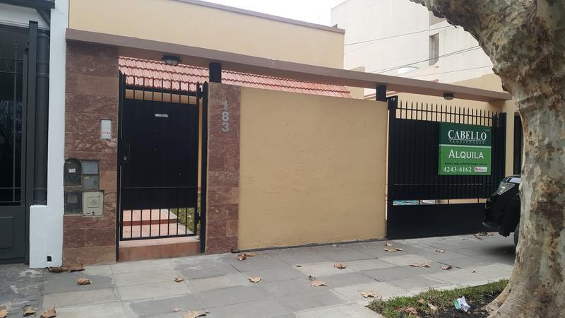 Foto Casa en Alquiler en  Lomas de Zamora Oeste,  Lomas De Zamora  PORTELA al 100