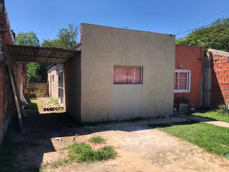 Foto Casa en Alquiler en  La Loma,  Lujan  Los Juncos Nº 273